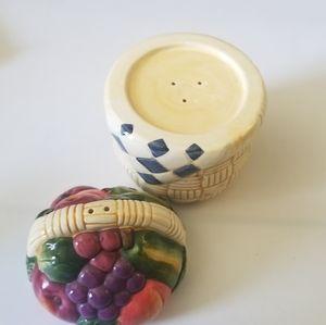 Kitchen - 💚Fruit basket salt&pepper shakers